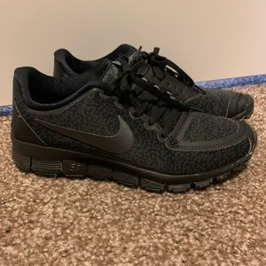 Nike cheetah print size 8 shoes. Great condition